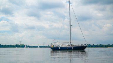 Sailing Shalom