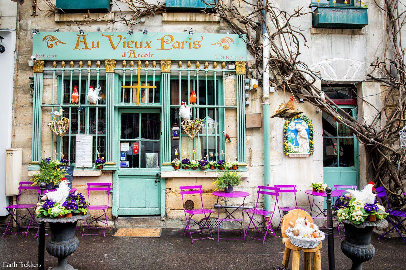 parijs au vieux paris terrace flowers