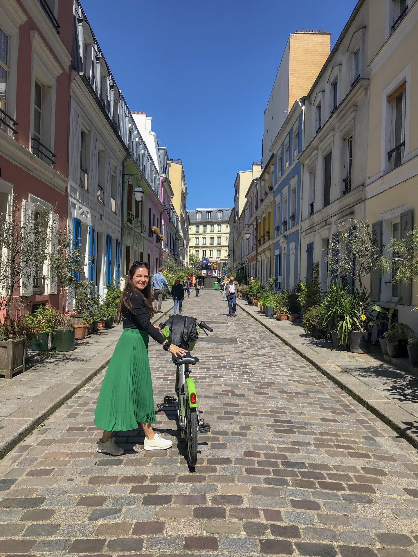 woman rue cremieux paris bicycle