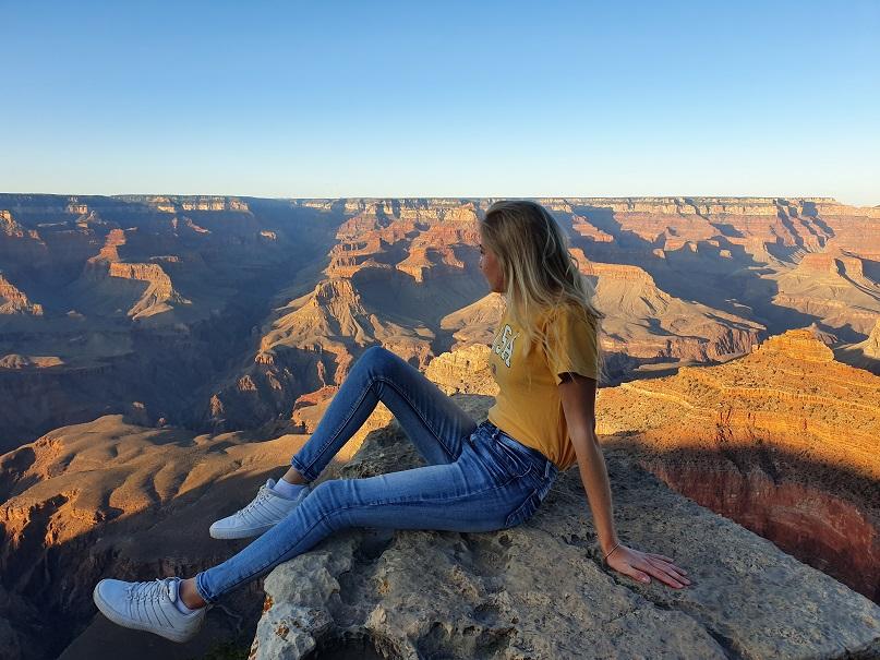 uitzicht grand canyon vrouw